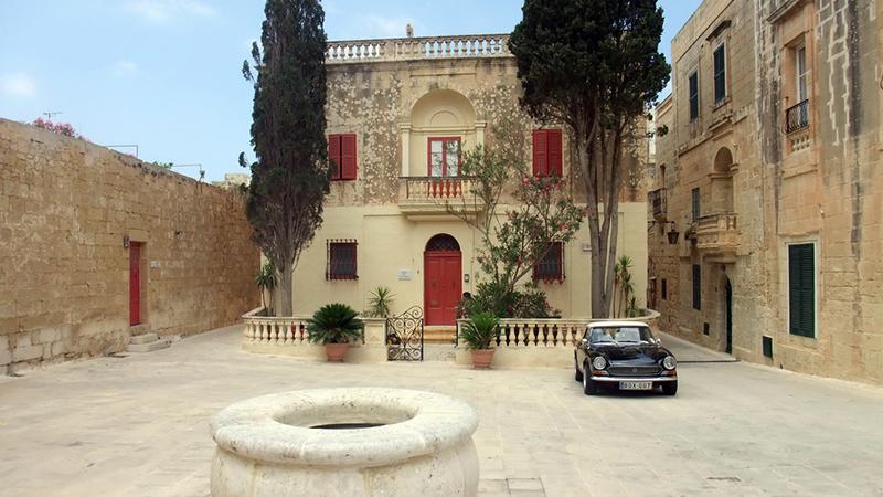 discover malta things to do mdina city