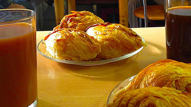 Serkin Malta - Typical Maltese Food - Pastizzi