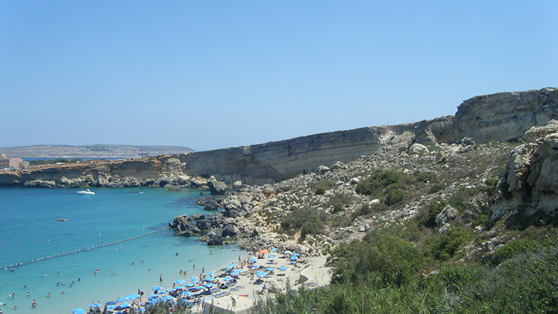 malta beach bay and family activities